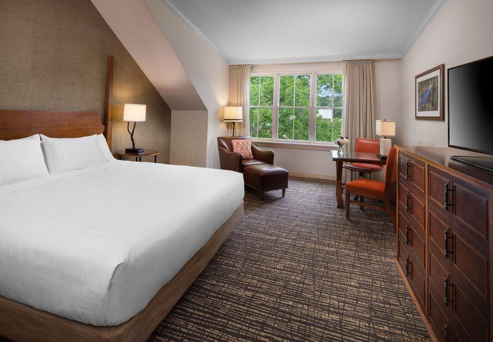 Bedroom property Suite cottage home hardwood