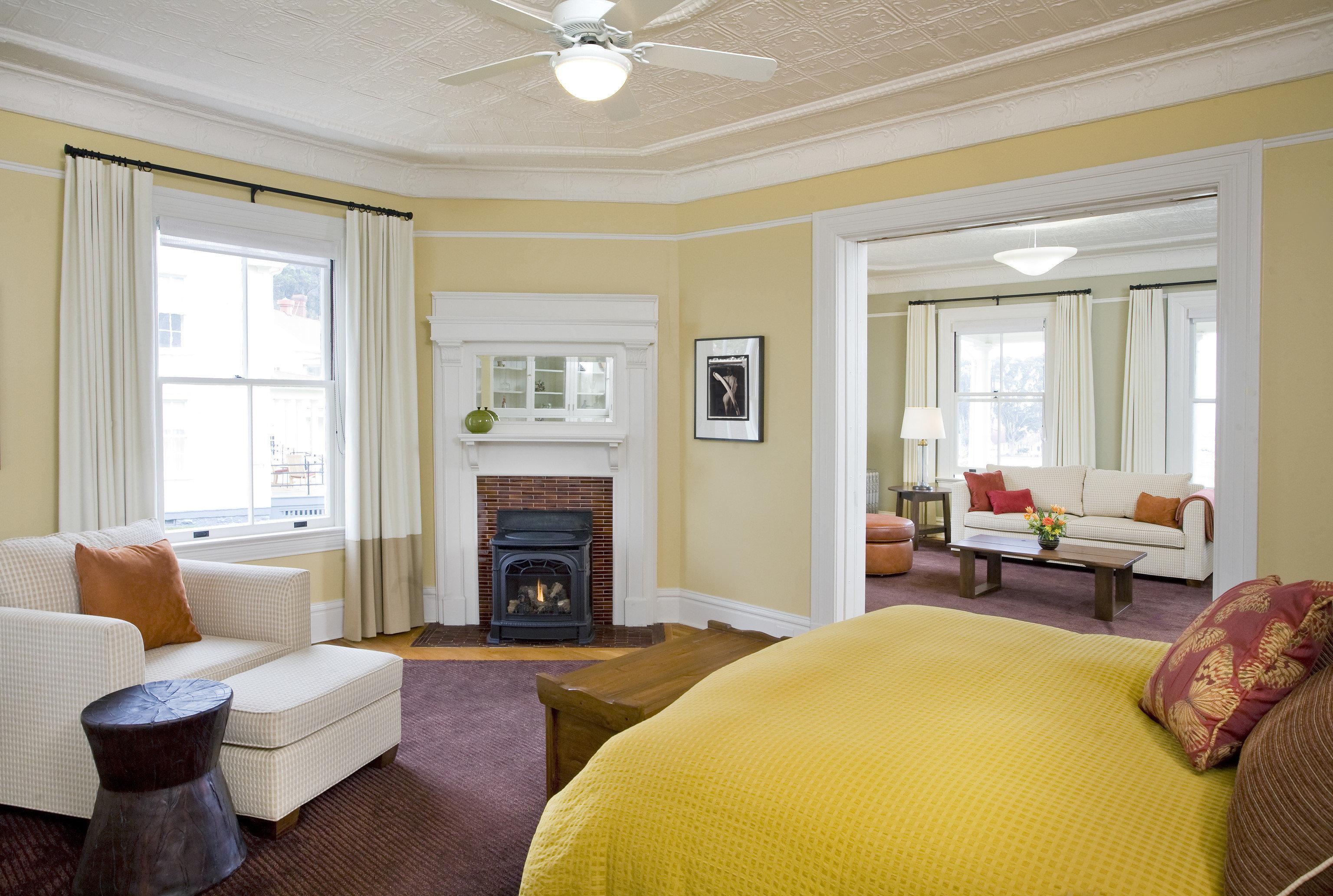 property living room home Bedroom Suite hardwood cottage