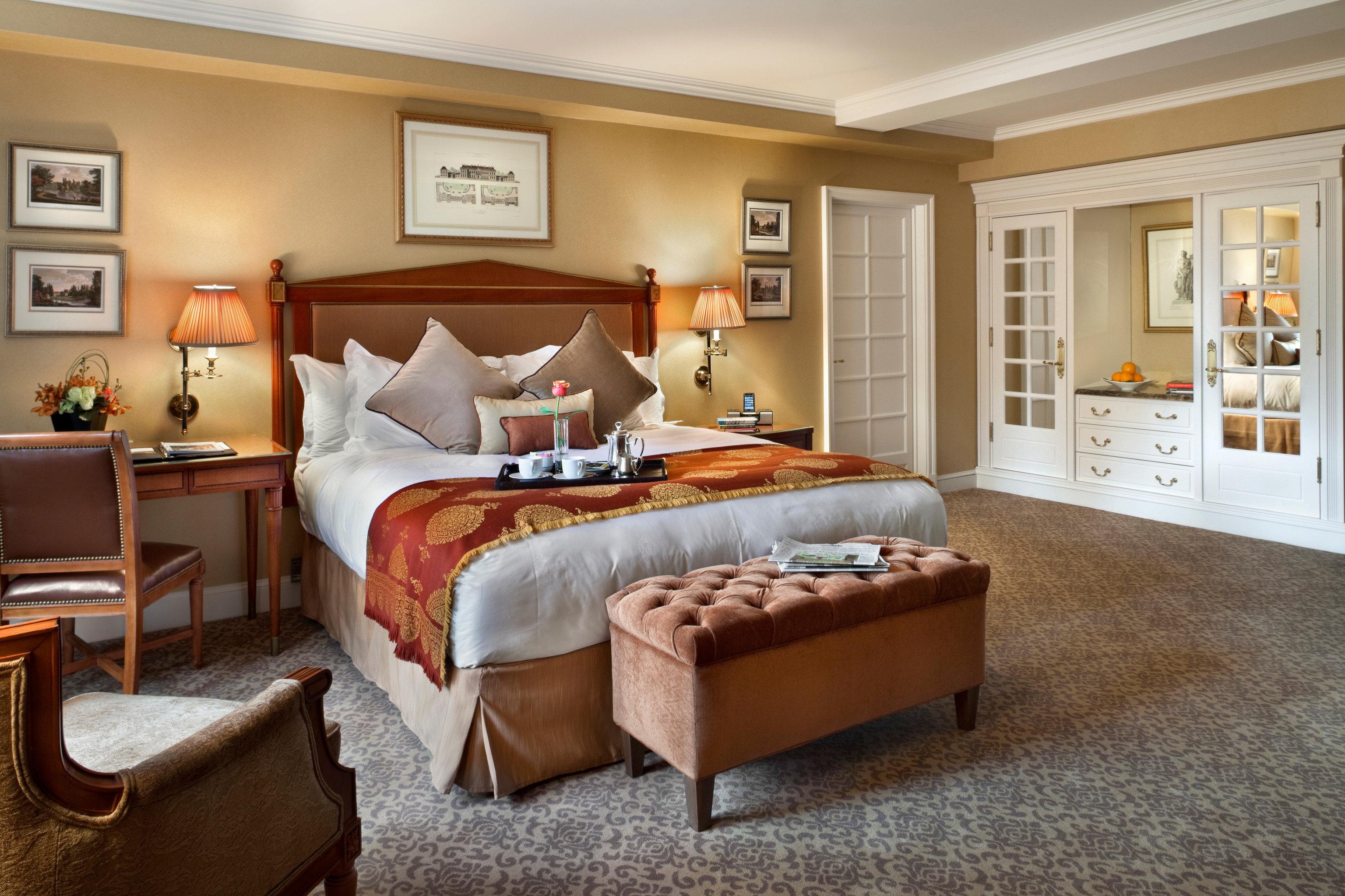 property living room Bedroom home hardwood Suite cottage