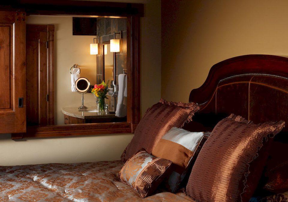 property living room home Suite Bedroom hardwood cottage