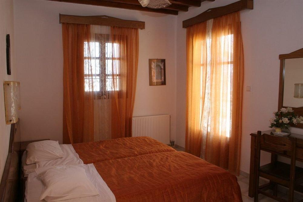 property Bedroom cottage hardwood Suite