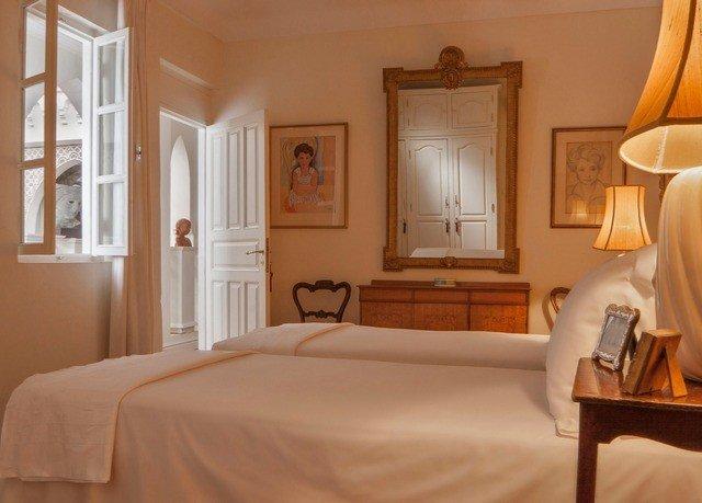 property Bedroom Suite cottage home hardwood