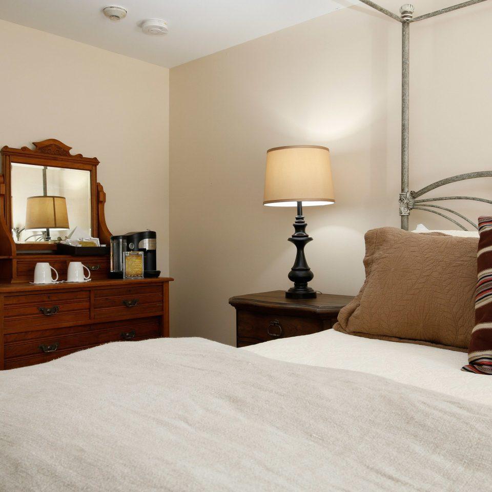 Bedroom property home Suite hardwood cottage pillow living room lamp