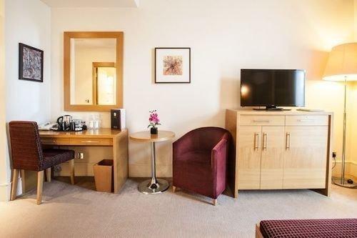 property Suite living room cottage hardwood home Bedroom