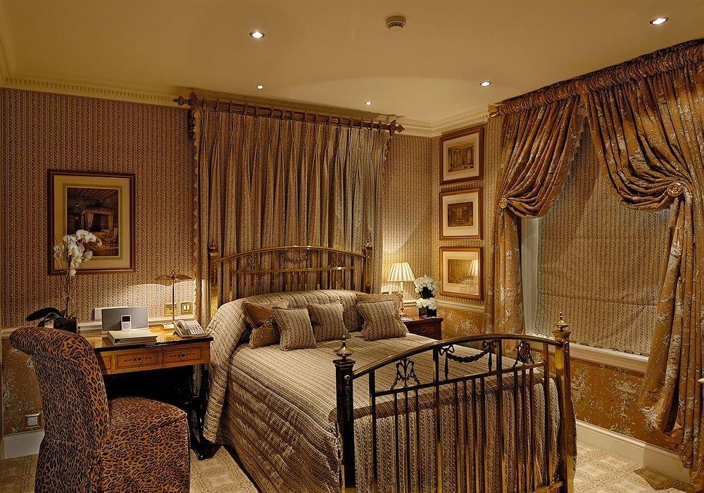 property living room Bedroom home hardwood Suite cottage mansion tan