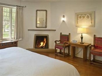 property Bedroom cottage Suite hardwood