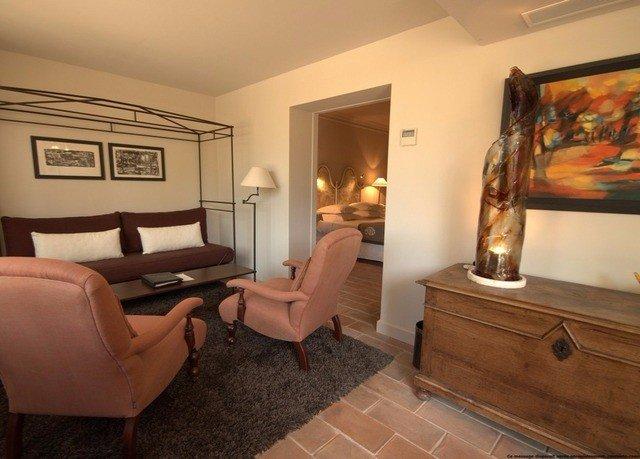 property living room Suite home hardwood cottage Bedroom