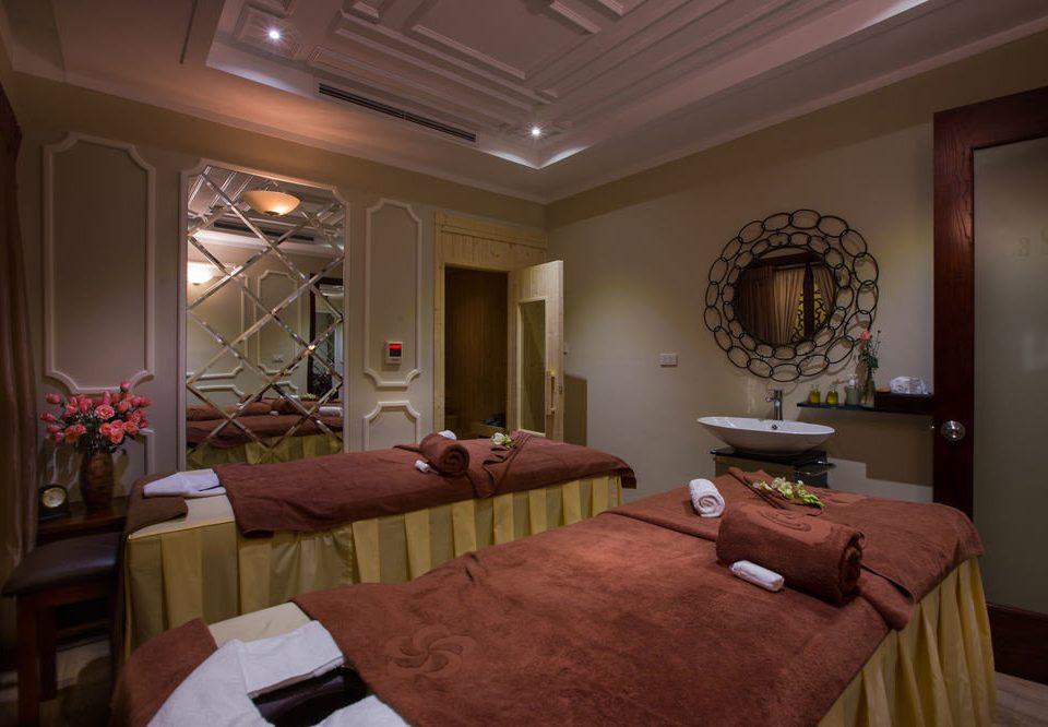 property Suite living room home cottage mansion Bedroom