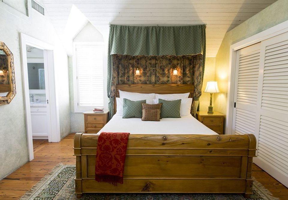 Bedroom property cottage home Suite living room