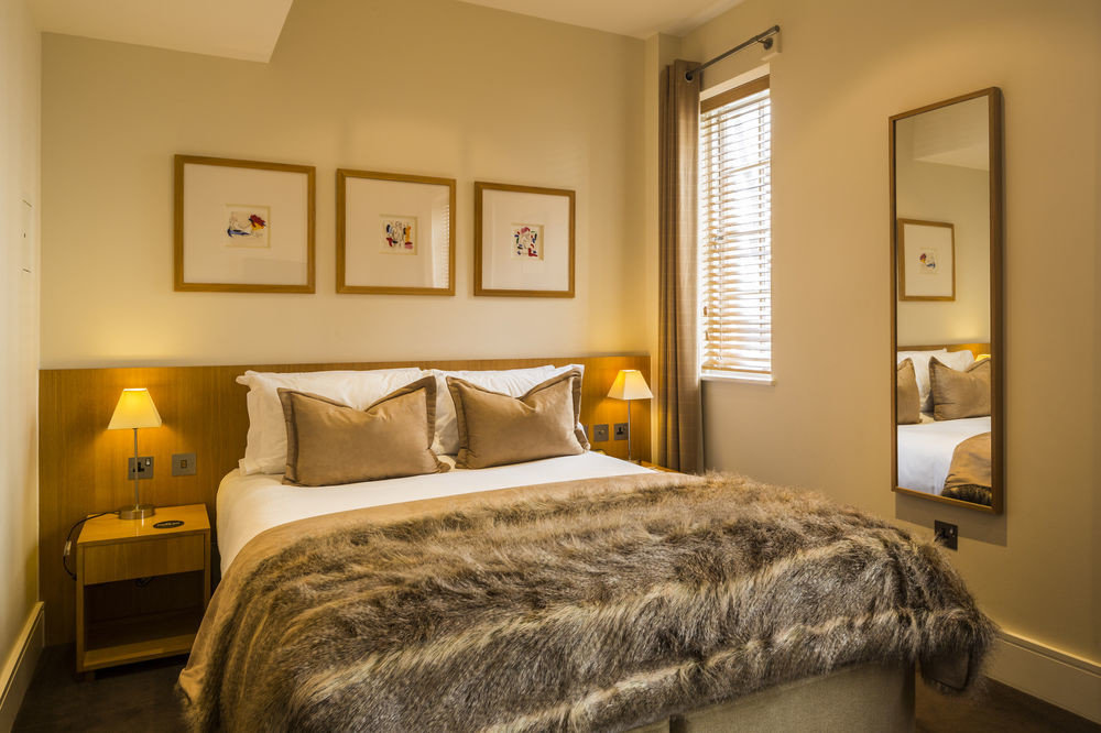 Bedroom property home cottage Suite living room tan