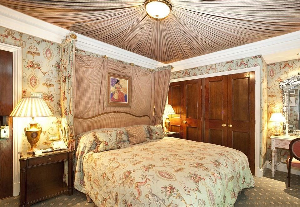 property Bedroom Suite cottage home living room mansion