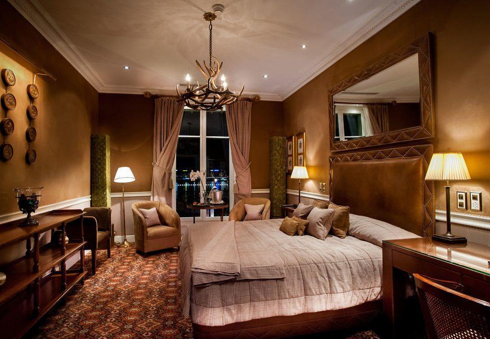 property Bedroom Suite living room home mansion cottage