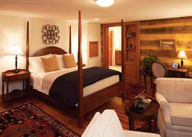 property Bedroom Suite cottage home living room