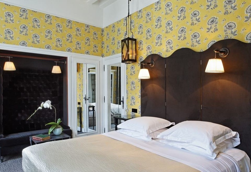 property Bedroom living room home Suite cottage painting