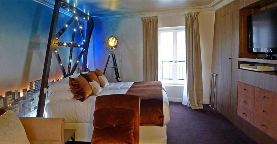 property home Suite cottage Bedroom