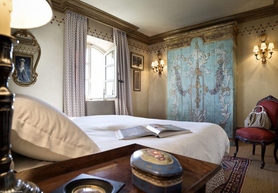 property Suite living room home mansion cottage Bedroom