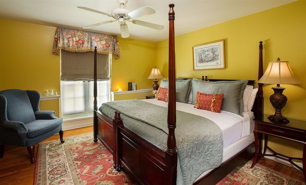 Bedroom property yellow cottage home Suite living room