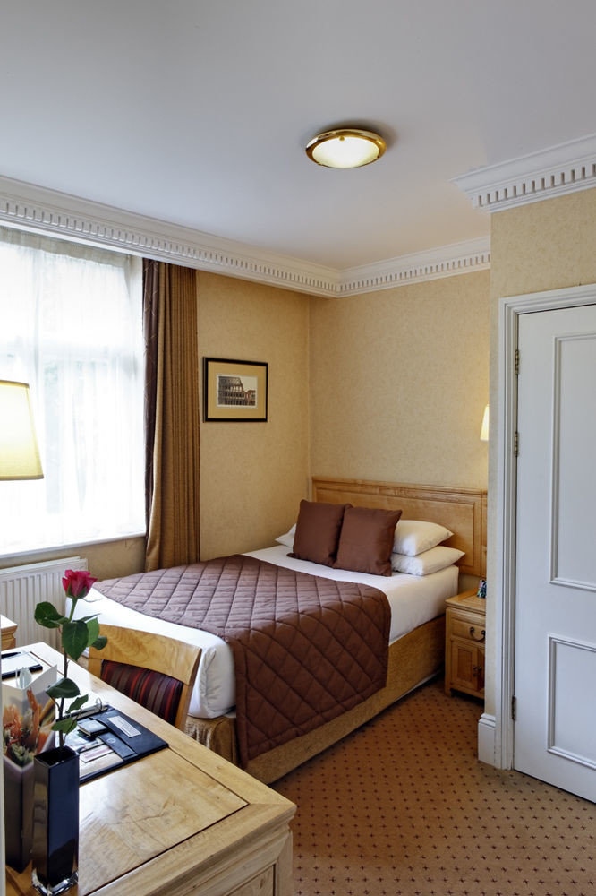 property Bedroom cottage Suite home
