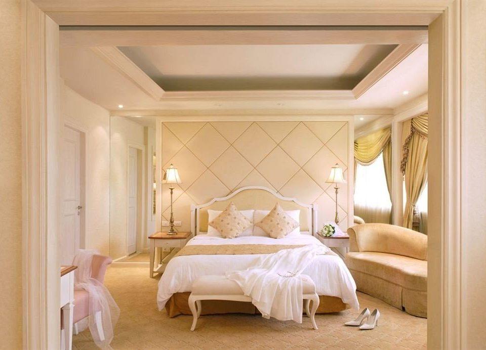 Bedroom property Suite living room home molding cottage