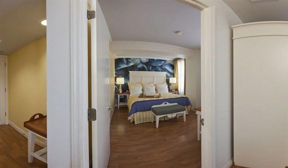 property Bedroom home cottage Suite