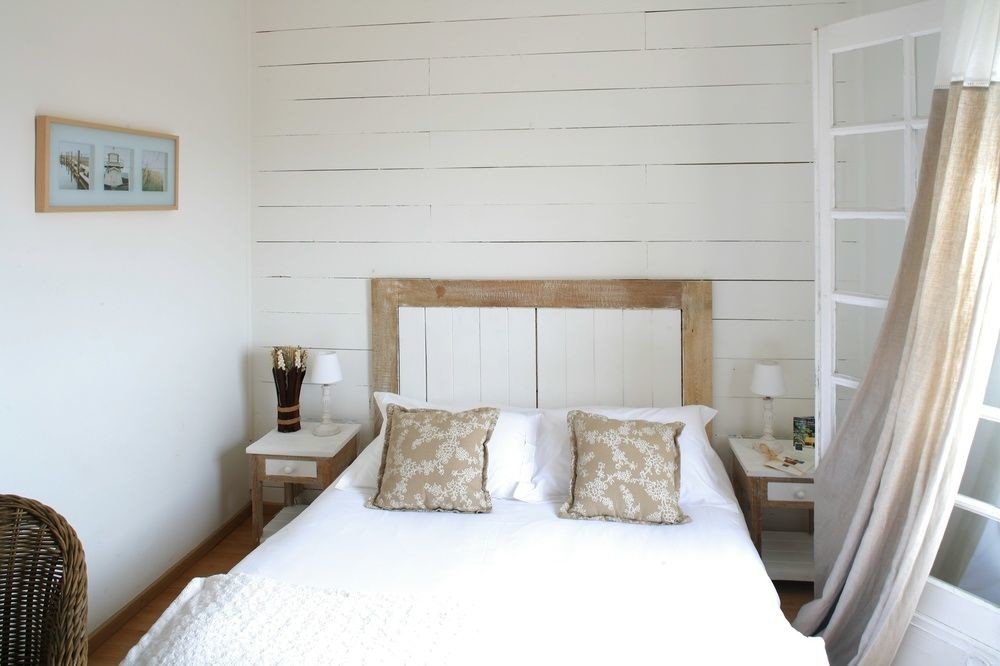property Bedroom cottage home living room pillow Suite