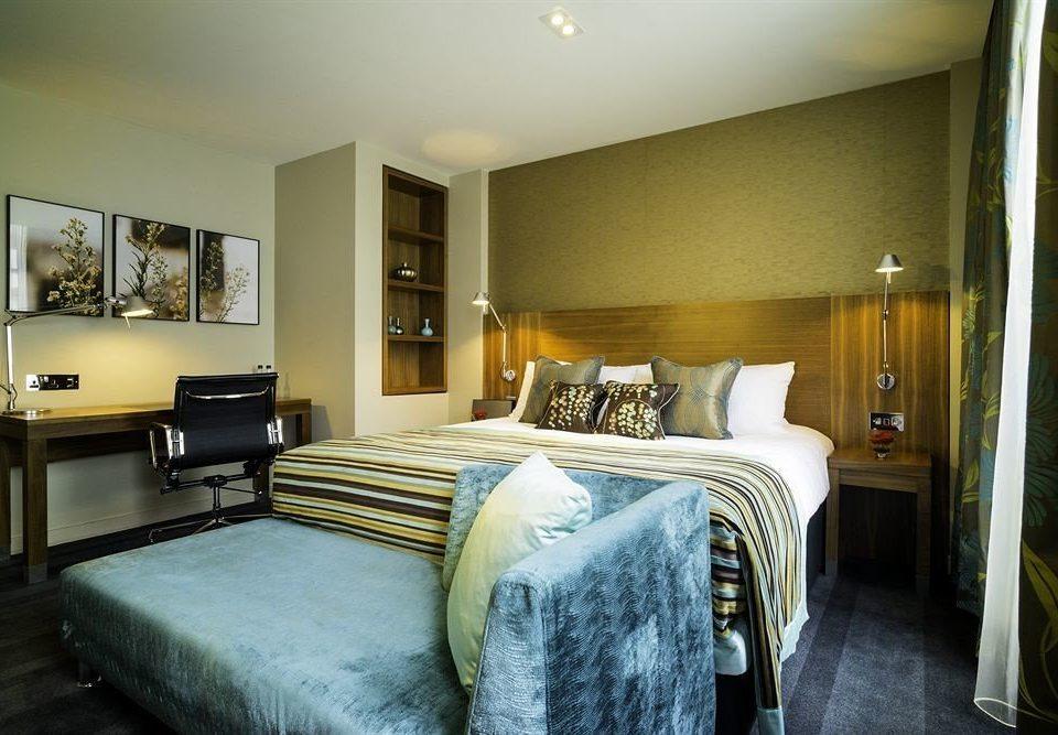 Bedroom sofa property home Suite cottage