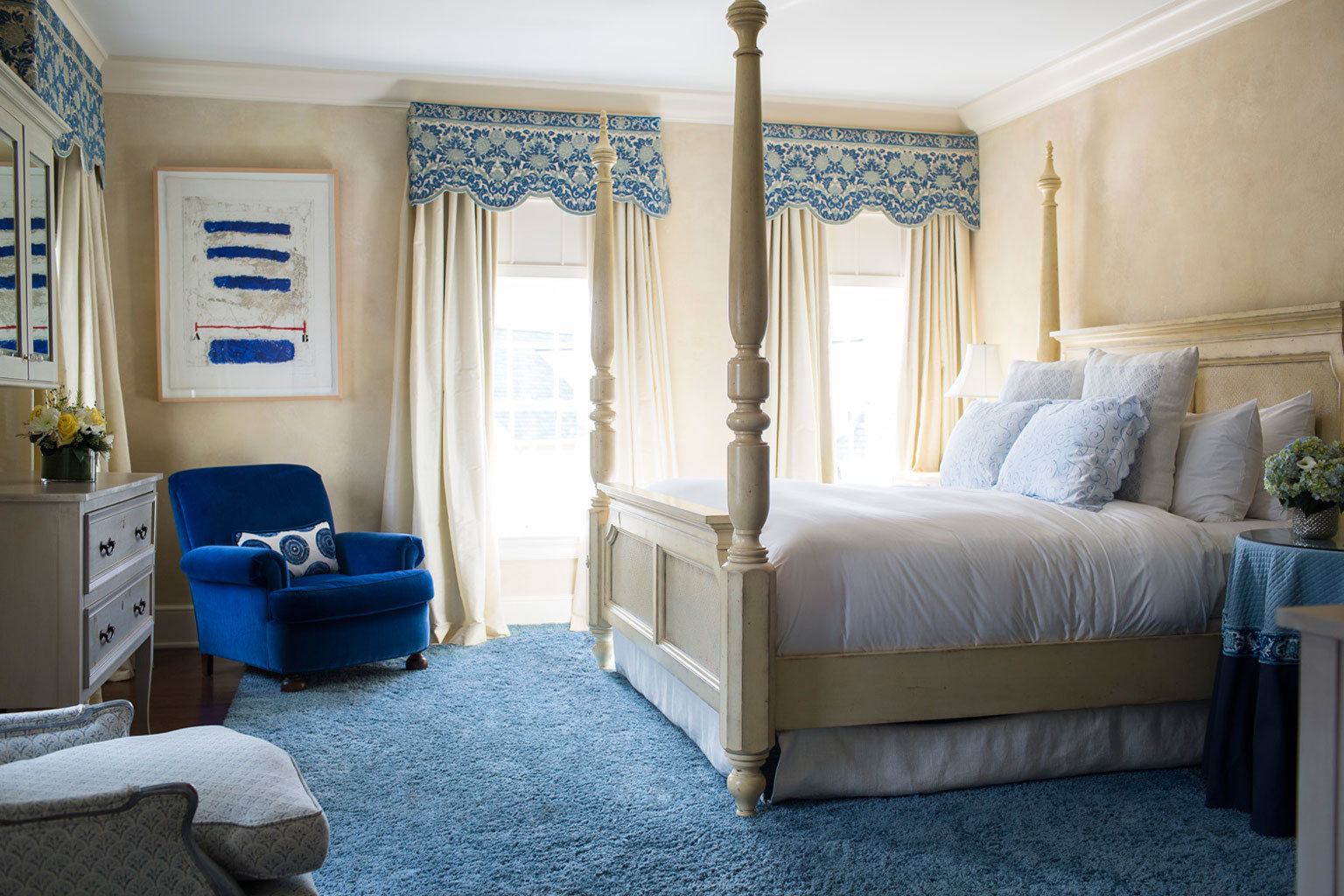 property living room Bedroom home cottage Suite tan