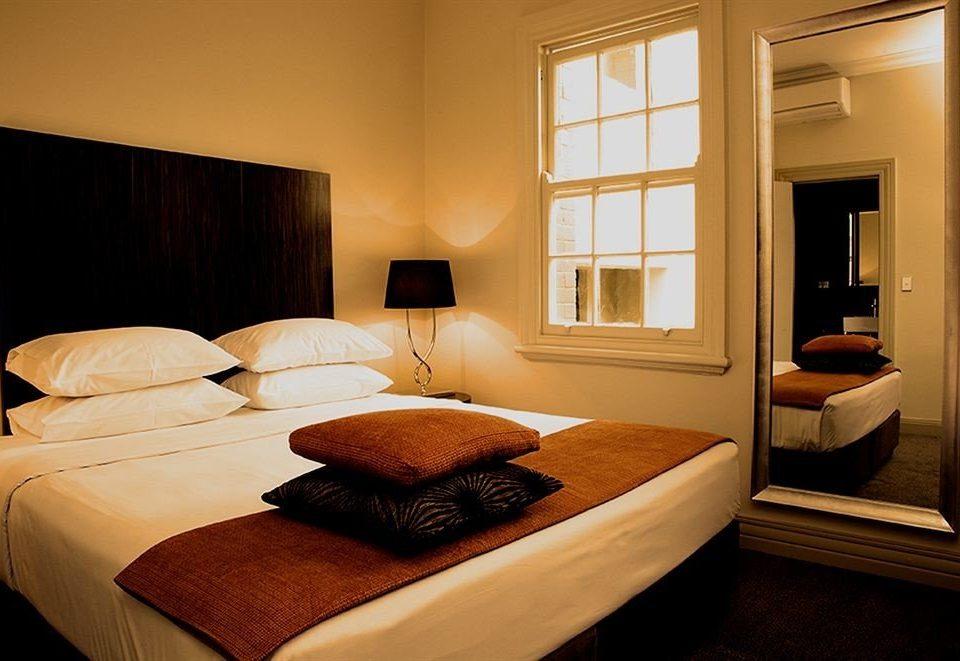 property Bedroom Suite home living room cottage