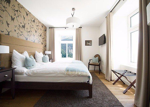 Bedroom property home living room cottage Suite