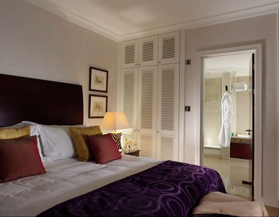 Bedroom property home cottage living room Suite
