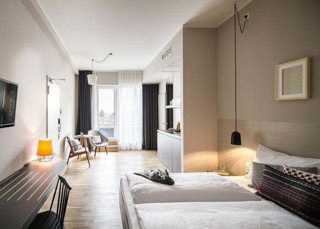property Bedroom home Suite living room cottage