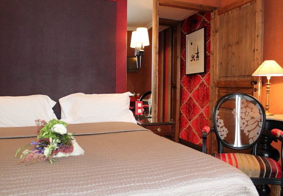 Bedroom Suite cottage lamp