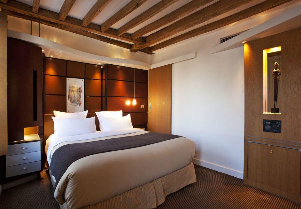Bedroom property Suite scene cottage lamp
