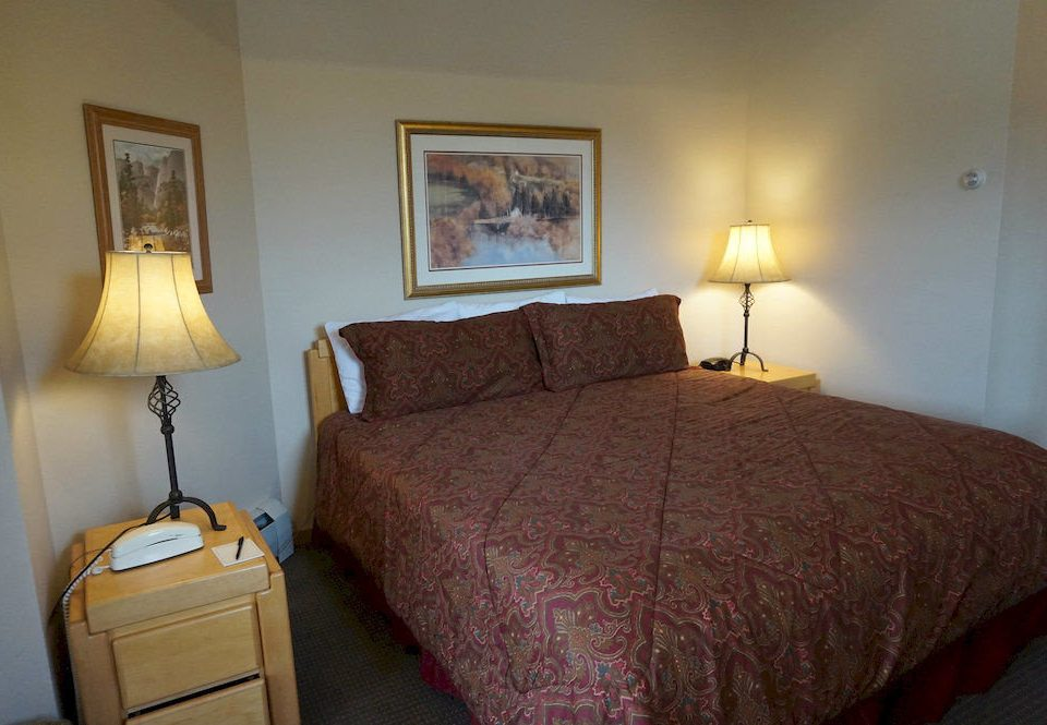 Bedroom property lamp cottage Suite tan