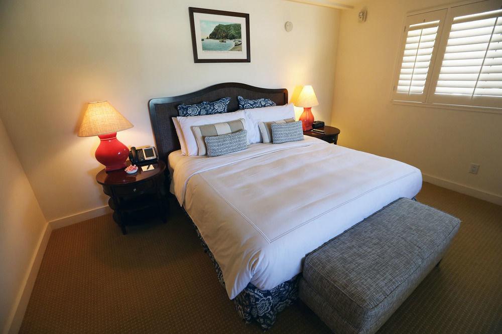 Bedroom property cottage Suite lamp