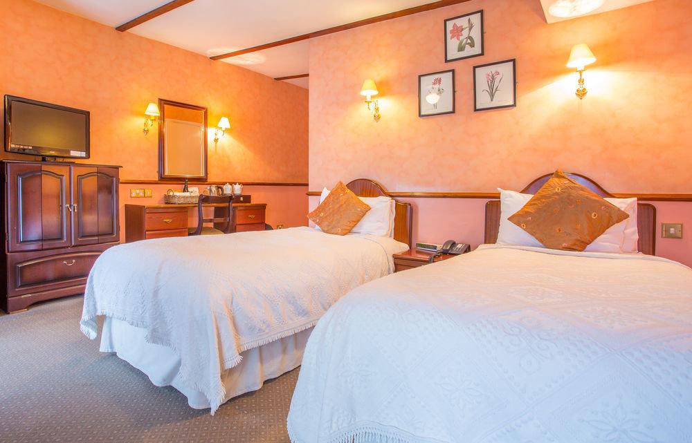 Bedroom property scene cottage Suite lamp night