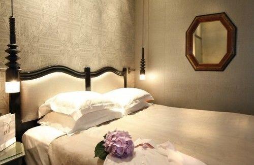 Bedroom lighting Suite cottage