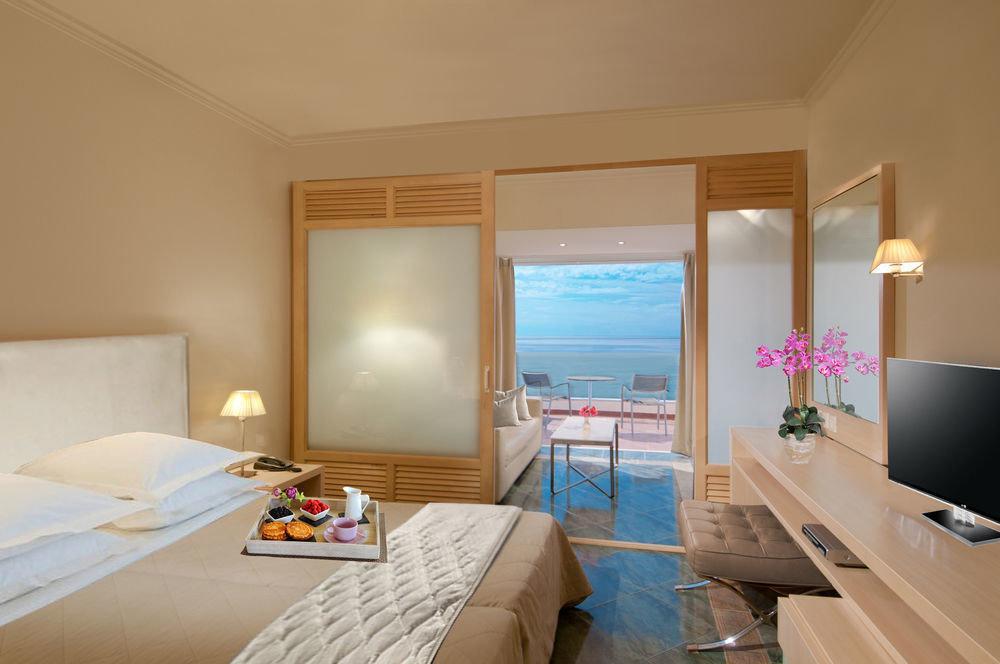 property Suite Bedroom living room cottage
