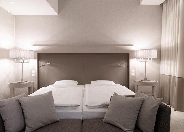 sofa property Bedroom Suite living room cottage night