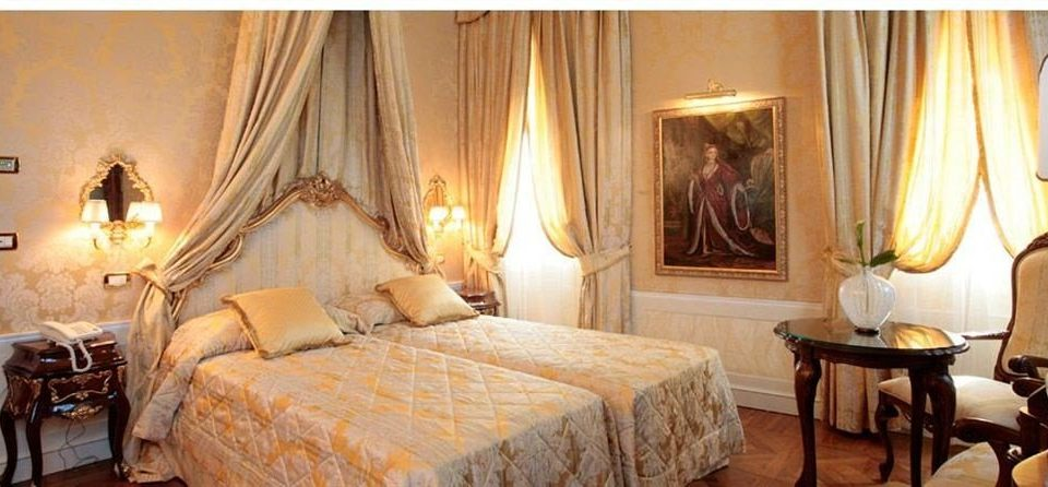 property Suite cottage living room Bedroom