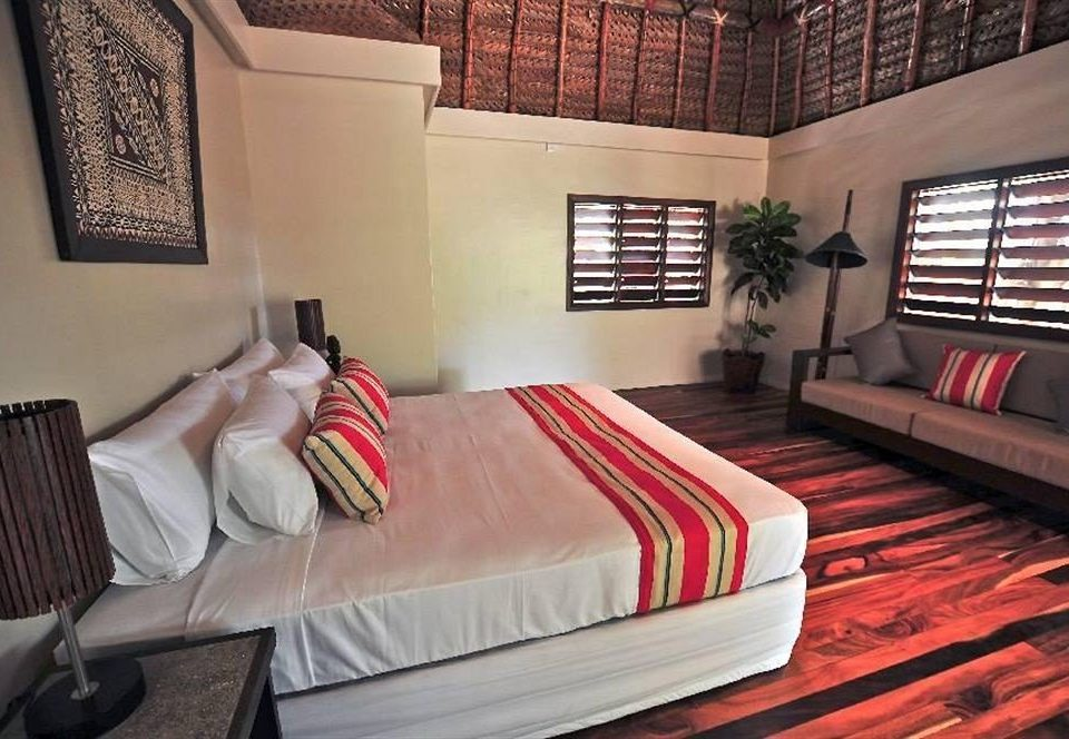 property Bedroom red cottage Suite living room painting