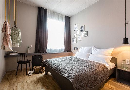 property Bedroom Suite scene cottage living room