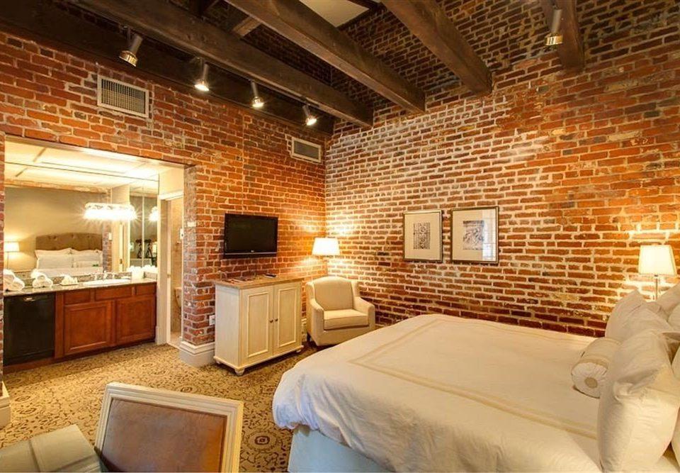 property cottage Suite living room Bedroom
