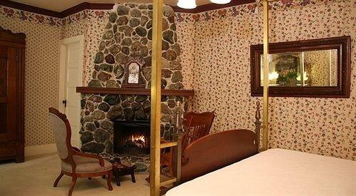 property cottage living room Suite Bedroom