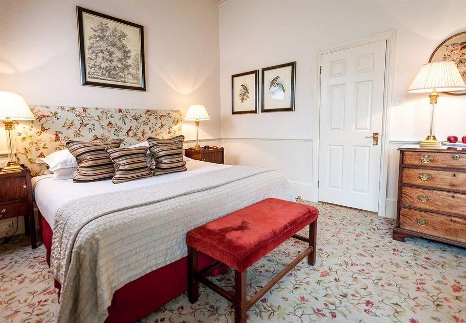 property Bedroom cottage Suite living room