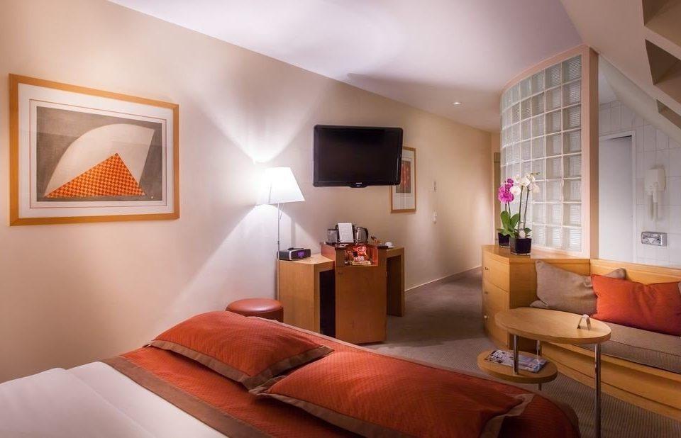 property Bedroom Suite living room orange cottage