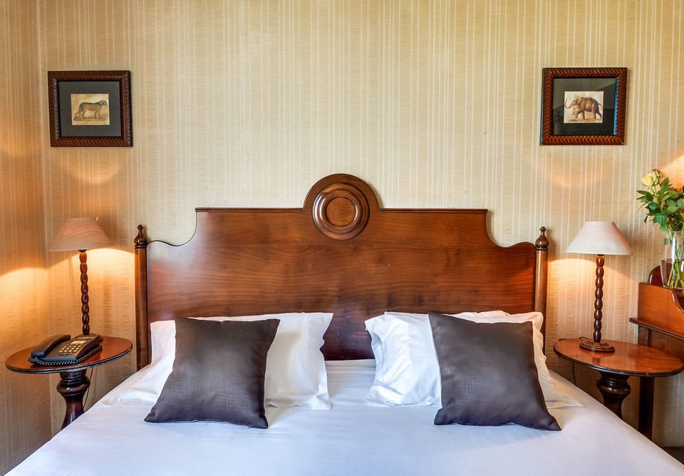 property Suite pillow cottage Bedroom night