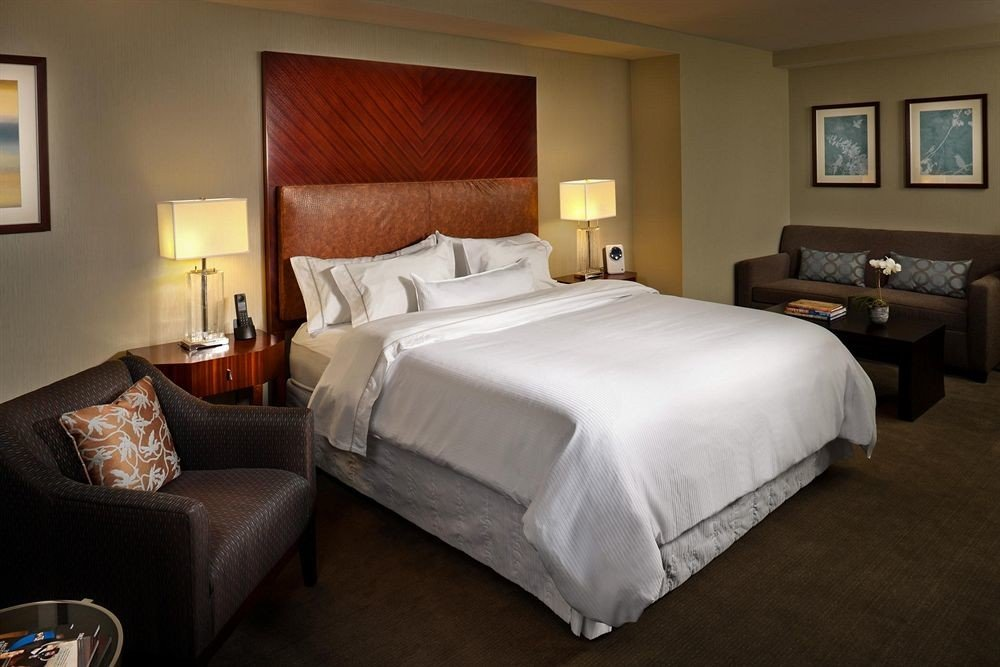 Bedroom property Suite cottage night tan