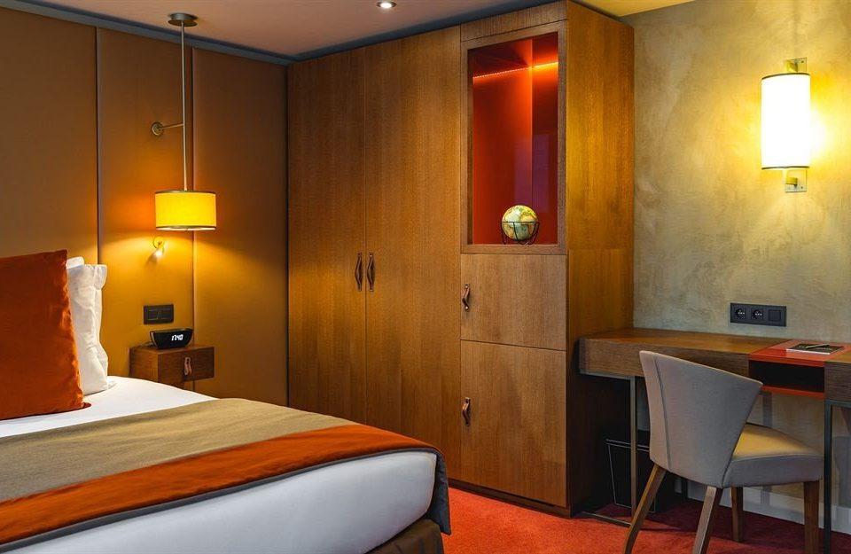 property Suite cottage Bedroom orange
