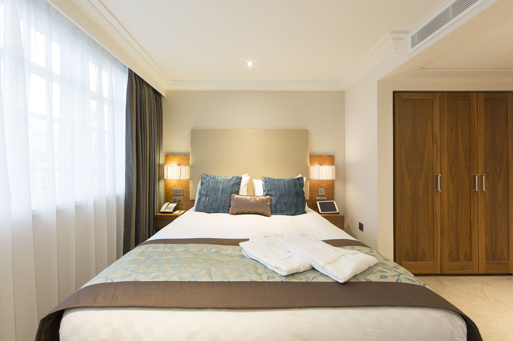 Bedroom property Suite cottage pillow